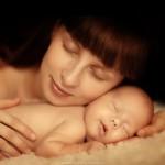 Мама — такой человек, который заменит всех. Но никто не заменит ее…….