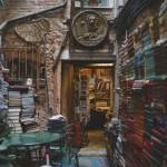 Чудесная и немного волшебная книжная лавка Libreria Acqua Alta, где чувствуется дух Венеции