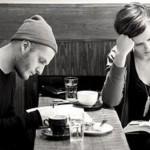 Учеными доказано: пары, которые читают вместе, самые крепкие